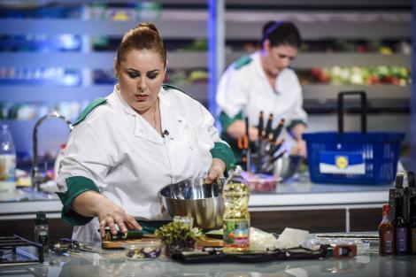 """Ultima bătălie din semifinala """"Chefi la cuțite"""" trimite trei concurenți acasă! Cine sunt FINALIȘTII?"""