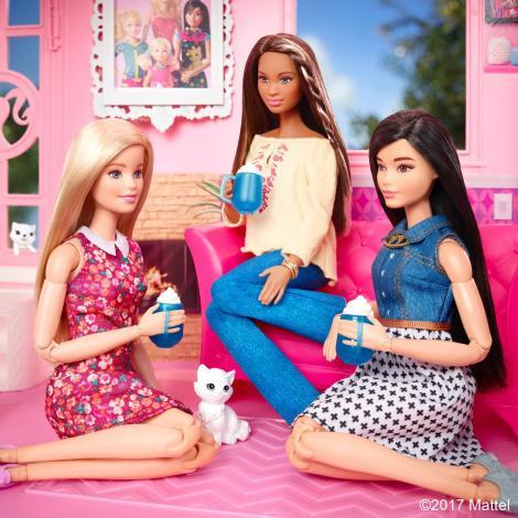 FOTO. Celebra păpuşă Barbie, așa cum nu ai mai văzut-o vreodată! Încurajează fetele să…