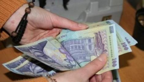 Lovitură GREA pentru românii cu credite! Dobânzile ating valori colosale