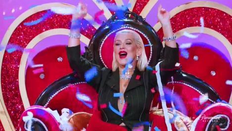 Duet INCENDIAR. Christina Aguilera cântă cu un SPORTIV de RENUME!