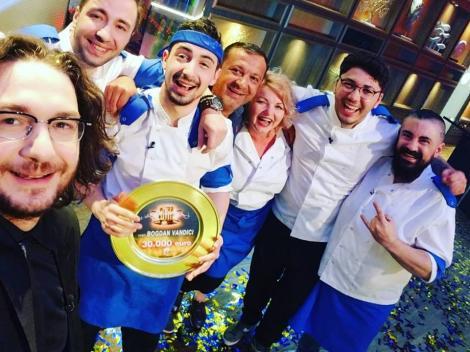 """Ce i-a făcut Chef Florin câștigătorului emisiunii """"Chefi la cuțite""""! Imaginile care NU s-au văzut pe TV!"""