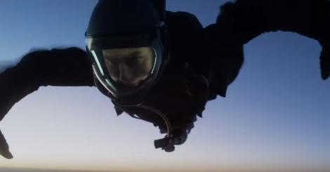"""Ți se taie răsuflarea! Tom Cruise le-a dezvăluit fanilor cum a făcut o cascadorie NEBUNEASCĂ pentru """"Misiune imposibilă"""". VIDEO"""