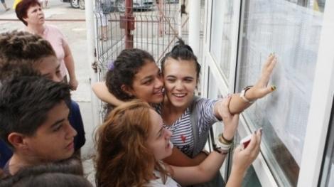 Vrei să urmezi un liceu în București, fiind din provincie? Cum te poți înscrie! Procedura s-a schimbat radical față de anul trecut!