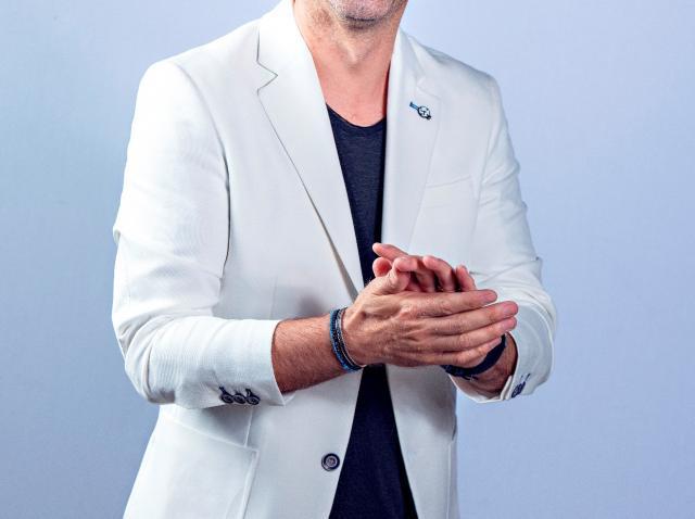 """Dan Negru, prezentatorul show-ului """"Next Star"""", și-a dorit să fie șofer de TIR"""
