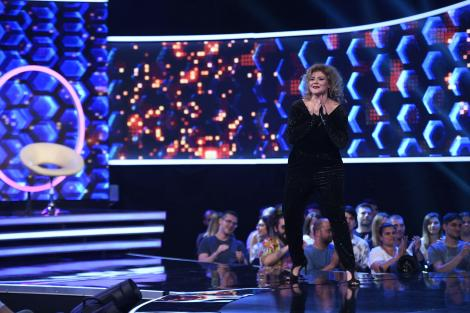 """""""Să fie cu sângeeee!"""" Alexandra Crișan versus Marcel Roșca, cel mai dur duel de la """"The Four""""! Iată cine este cel de-al doilea finalist al show-ului!"""