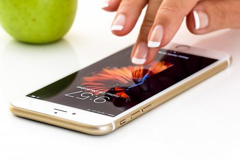 Ce iPhone îți poți cumpăra cu un buget de maxim 2.000 de lei