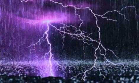 Ultima oră! Se întorc ploile torențiale și furtunile în următoarele ore. ANM, atenționare de fenomene meteo periculoase