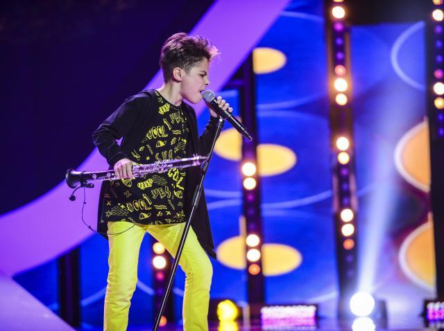 Denis i-a dat gata pe toți! Are 12 ani, e cetățean de onoare în Zizin și e un munte de talent! Când zâmbește te topește!