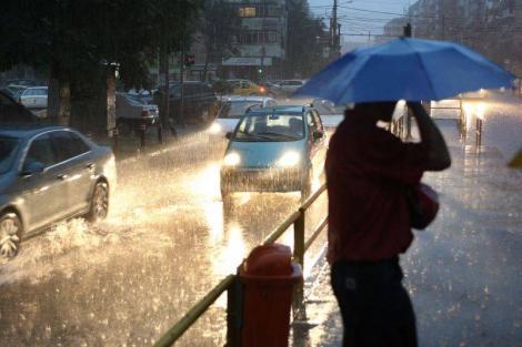 Alertă METEO! După cod portocaliu de ploi, urmează cod galben de vânt puternic! Ce se întâmplă cu vremea în câteva ore