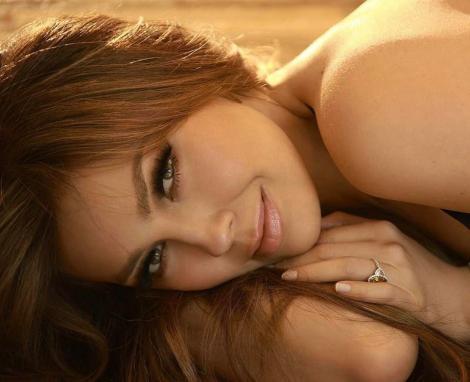 """Thalía ÎNCINGE internetul! """"Regina telenovelelor"""", SUPERBĂ în costum de baie, la 46 de ani – GALERIE FOTO"""