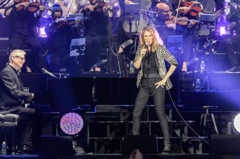 Vârsta își spune cuvântul! Celine Dion, apariție îngrijorătoare înainte de un concert! Cum a fost surprinsă de fotografi!