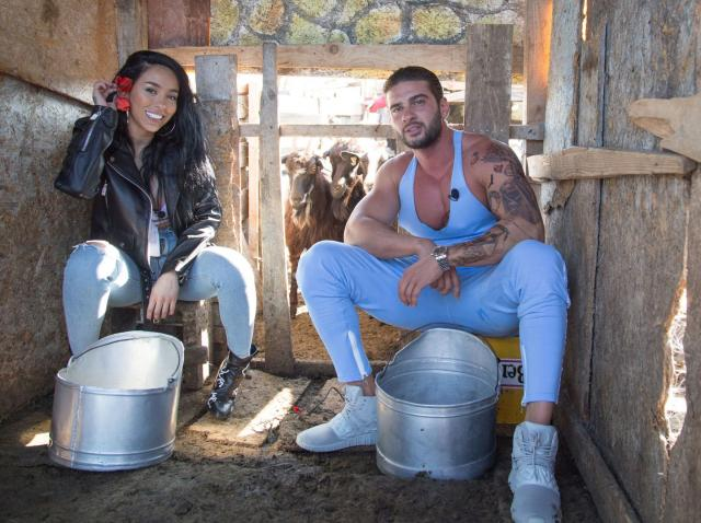 """Ruby și Dorian Popa, în competiție la un concurs de muls capre: """"Mie îmi era prea milă"""""""