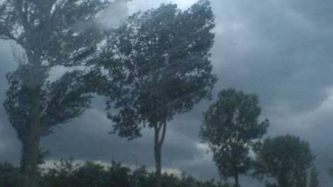 Începe IAR în orele următoare! ANM anunță URGIE: Încă două zile de ploi torențiale