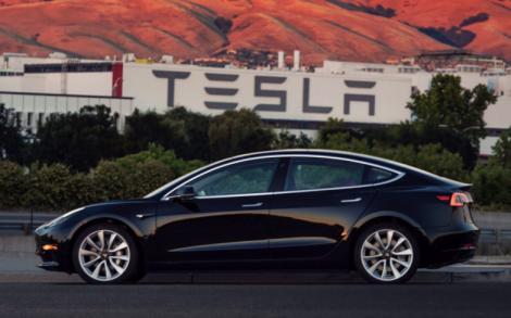 Tesla a atins obiectivul stabilit de Elon Musk pentru Model 3! 5000 de mașini pe săptămână și numărul va crește!