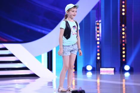 """Lavinia, fetița de șase ani care a reinterpretat povestea Scufiței Roșii, l-a dat gata pe Pepe: """"Sunt impresionat! Felicitări!"""""""