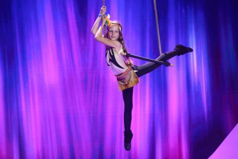 """Aija Taheira Surugiu, spectacol magnific la trapez pe scena """"Next Star"""": """"Când fac asta, simt că zbor!"""""""