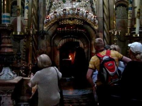 FABULOS. Ce se întâmplă la MORMÂNTUL SFÂNT! Imaginile surprinse la Ierusalim