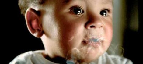 De ce NU trebuie să-l expui NICIODATĂ fumatului pasiv! Ce se întâmplă cu copiii care stau într-o încăpere în care a fost fum de țigară