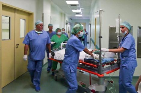 ALERTĂ medicală în România! S-a descoperit un FOCAR de HEPATITĂ A! Epidemiologii au interzis conumul apei din fântâni