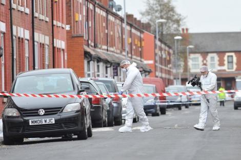 Alertă! Zece persoane au fost SPITALIZATE după ce s-au auzit mai multe focuri de armă!