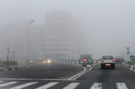 Anunț de ULTIMĂ ORĂ! Este COD GALBEN de ceață într-un județ din țară. Vizibilitatea este extrem de redusă