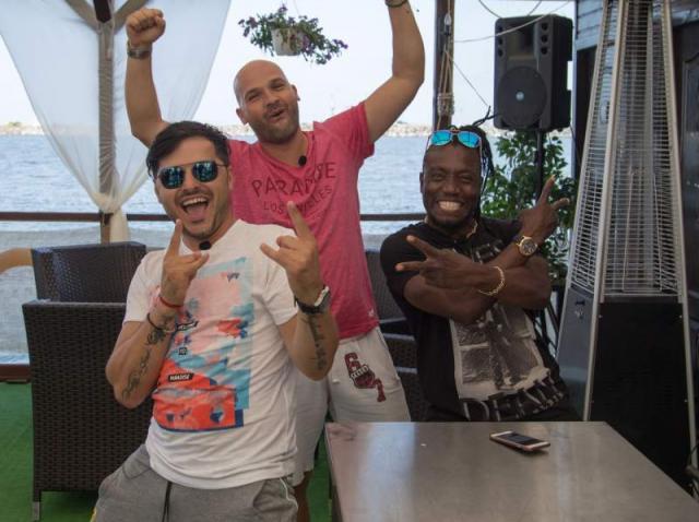 Patroni de succes! Liviu Vârciu și Andrei Ștefănescu au dat o petrecere dominicană cu terasa plină de clienți