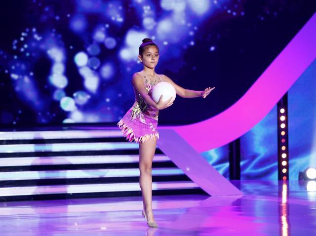 """Campioana Italiei la gimnastică ritmică îi impresionează pe jurați, la """"Next Star"""". """"M-au trecut fiorii când am văzut-o pe scenă"""""""