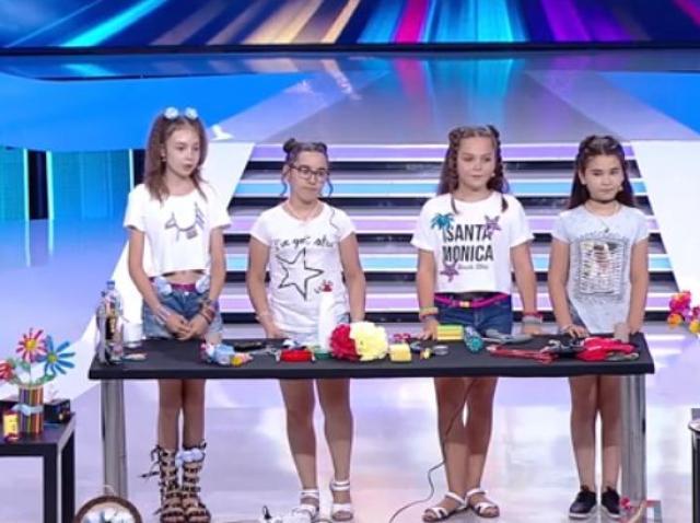 """Talent cât curprinde, nu glumă! Fetițele de la """"Eco Art"""" au realizat obiecte de decor din materiale reciclabile și i-au surprins pe jurați!"""