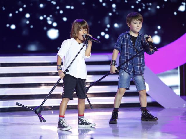 """Asta-i faza serii! Dani şi Sebi, pe ritmuri nebune de ROCK: """"Lidia, îţi dăruiesc această cămaşă pentru a-l face gelos pe Răzvan"""". Reacţia juratei """"Next Star"""": """"Îmi vine să mă apuc să fac copii"""""""