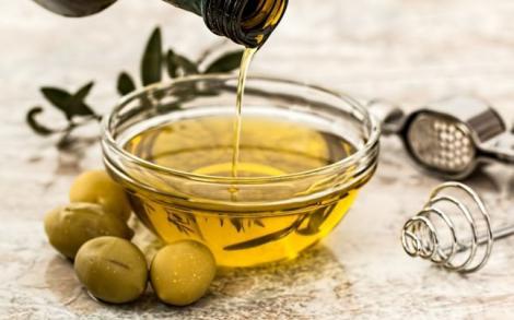 Ce se întâmplă dacă bei o linguriță de ulei de măsline pe stomacul gol