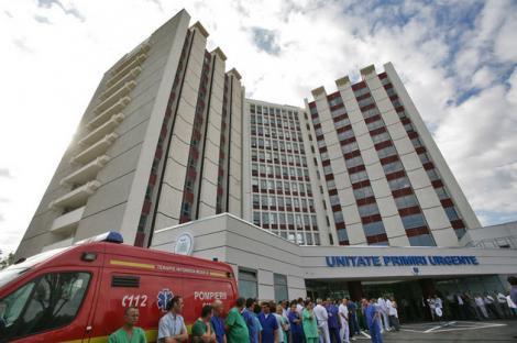 PROTEST la Spitalul Universitar! Motivul pentru care angajați ai spitalului au protestat în fața instituției și cum le răspunde conducerea