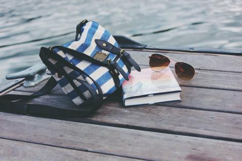 Cum să prelungești viața ochelarilor tăi de soare