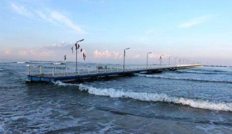Vieți luate de valurile mării! Trupul unei femei a fost găsit pe o plajă din Mangalia. Este cel de-al doisprezecelea deces din acest sezon estival