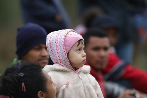 Sute de mii de români plecați în Germania vor fi afectați! Autoritățile nu vor să mai plătească alocațiile copiilor imigranţilor