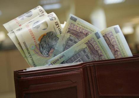 Veste extraordinară pentru români: vor creşte salariile! Cu cât și cine sunt beneficiarii