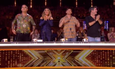 """Cezar Ouatu, show GRANDIOS la """"X Factor"""" din Marea Britanie! Juriul s-a ridicat în picioare să-l aplaude"""