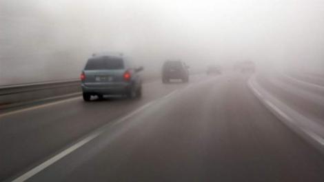 ULTIMĂ ORĂ! Șoferii trebuie să fie în alertă! Este Cod GALBEN de ceață în mai multe localități din țară