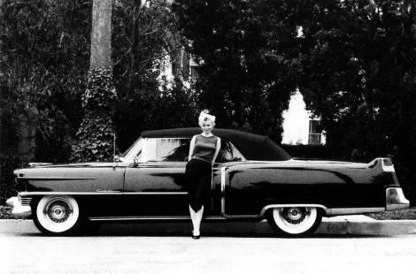 Mașina decapotabilă a celebrei Marilyn Monroe, scoasă la licitație! Oricine o poate obține contra unei sume colosale