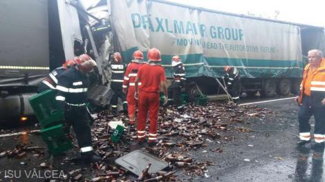 Accident teribil produs în urmă cu puțin timp! Două TIR-uri s-au ciocnit frontal! Traficul este complet blocat!