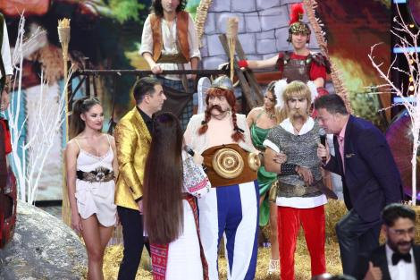 Cine o fi vedeta din spatele măştii? Obelix, chiar dacă ai puteri supranaturale, tot te vom damasca!