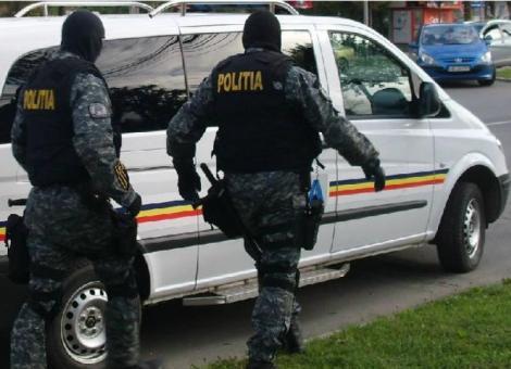 Jaf mascat, focuri de armă și-o urmărire ca-n filme, la Timișoara. Ce-au vrut să fure cei 4 hoți