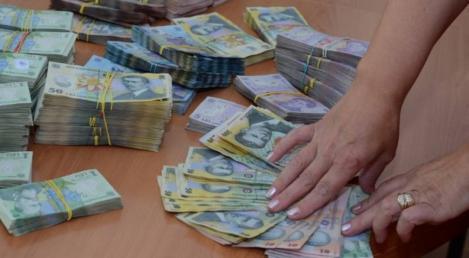 Guvernul a stabilit, în premieră în România, un salariu minim exclusiv! Sute de mii de angajați vor câștiga cel puțin 3.000 de lei lunar