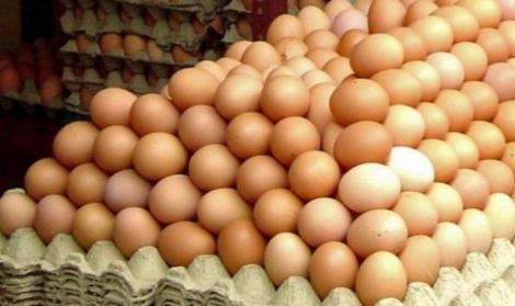Autoritățile sunt în alertă! Ouă contaminate cu insecticide pe rafturile magazinelor din România. Situația este extrem de gravă