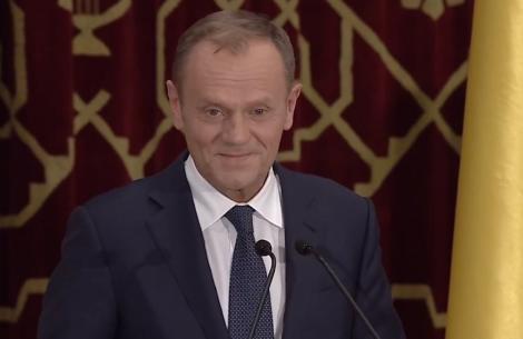 """Donald Tusk, în română: """"Apărați constituția cu aceeaşi hotărâre cu care  Duckadam a apărat acele patru penalty-uri la rând"""""""