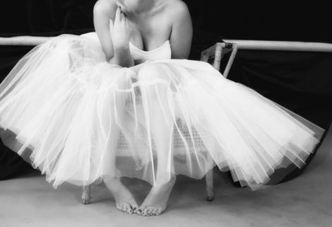 Divorț la 9 luni după nuntă! Cea mai cunoscută blondă din lume s-a despărțit de soț din cauza unei fuste ridicate în public