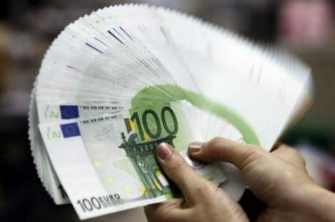 Salarii de mii de euro pentru români! Unde se fac angajări pentru acești bani, din luna mai