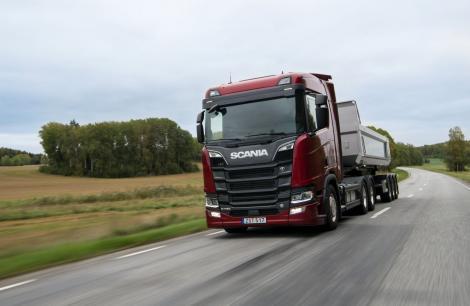 Investește inteligent! Șoferii îți prezintă beneficiile unui camion rulat!