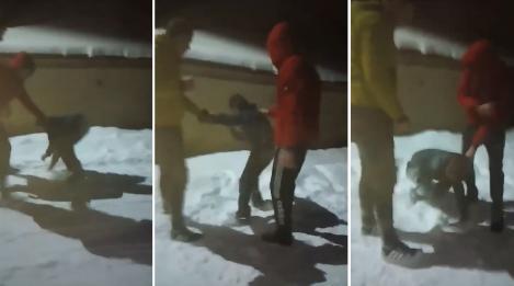 """Video! Copil necăjit din Botoșani, lovit în cap cu pumnii și picioarele de doi adolescenți: """"- Îţi mai dau, mă? Mai vrei?"""""""