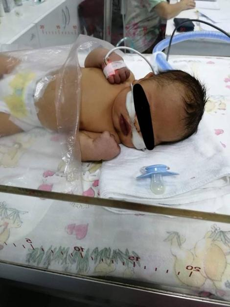 Caz revoltător la Cluj! Un bebeluș care s-a născut cu o malformație gravă a inimii nu poate fi operat! Singurii medici care i-ar putea salva viața, în concediu!