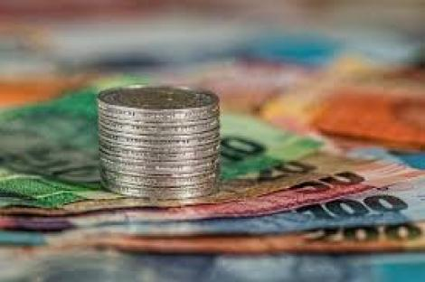 BNR Curs valutar 1 octombrie 2019. La început de lună euro și dolarul cresc, iar francul elvețian scade puternic
